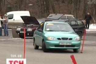 У Львові відбулися змагання жінок-водіїв