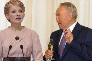 Тимошенко поговорила з Назарбаєвим про уран, літаки та футбол