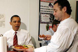 Обама зірвав робочий графік, щоб в придорожньому кафе з'їсти гамбургер