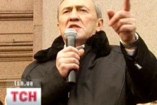 БЮТ: Черновецький примушує підлеглих агітувати за Януковича