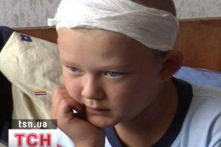 Куля з полігону пролетіла два км і поранила в голову 10-річного хлопчика