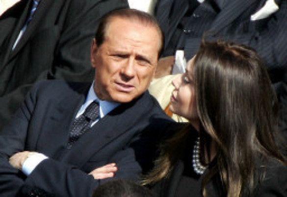 Сильвіо Берлуськоні з дружиною Веронікою Ларіо