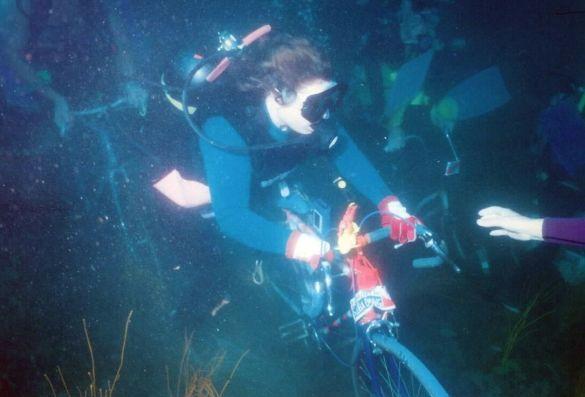 Підводна велогонка