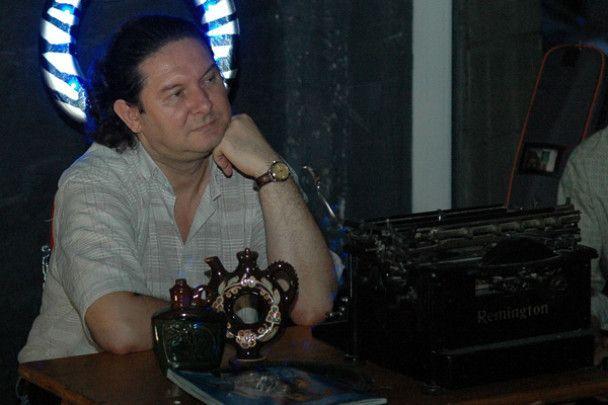 В Києві відбувся аукціон зіркового секонд-хенду