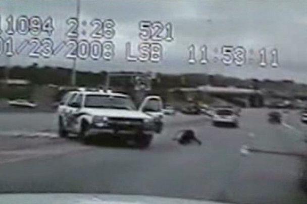 В США звільнили поліцейських, які відлупцювали чоловіка без свідомості