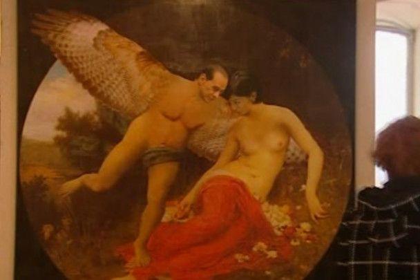 Голого Берлусконі з крилами виставили в галереї