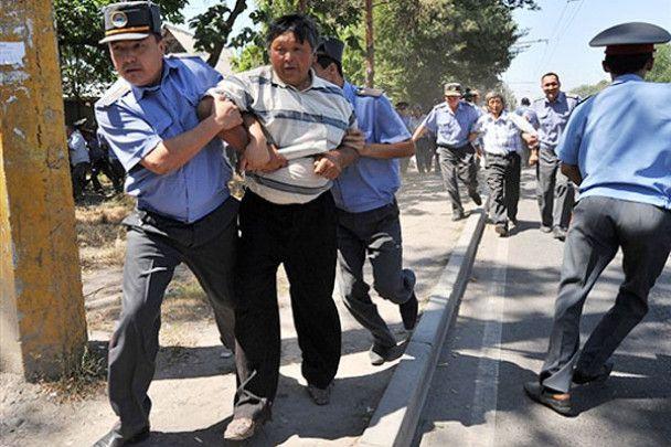 Міліція розігнала акцію протесту опозиції в Киргизії