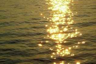 В Море на матраці