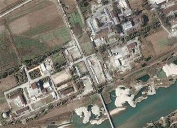 Фото ядерного реактору в Йонбені з американського супутника