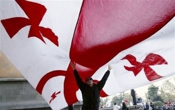 Мітинг об'єднаної опозиції коло будівлі парламенту Грузії