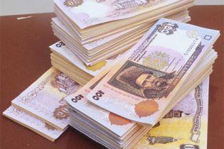 """На Буковині чиновник """"заробив"""" на повені 75 тис. грн"""