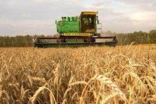 Азаров лишит аграриев налоговых льгот