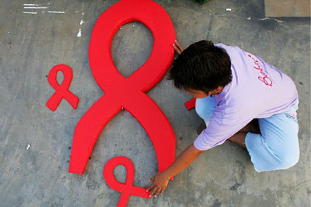 Сьогодні - Всесвітній день боротьби зі СНІДом (відео, оновлено)