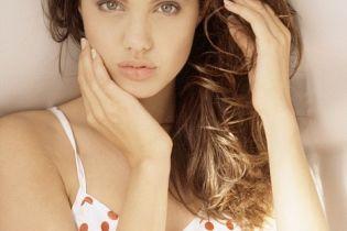 У Джолі найпопулярніше обличчя