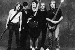 Про вокаліста AC/DC знімуть фільм