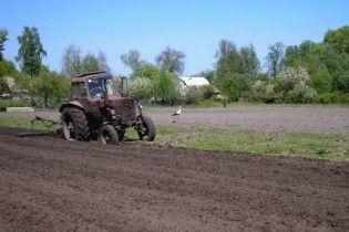 На весняно-польові роботи не вистачає 4 млрд. гривень