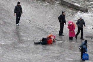 В Україні потепління, на дорогах – ожеледиця