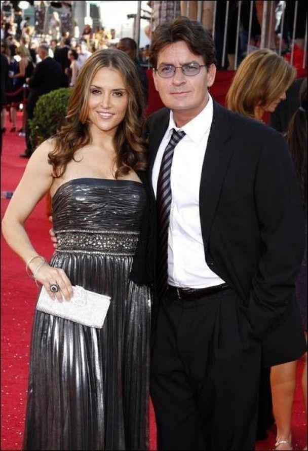 Чарлі Шин офіційно розлучився з дружиною
