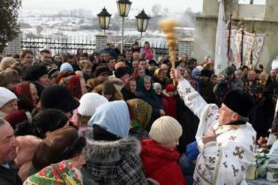 Православні та греко-католики святкують Водохреща