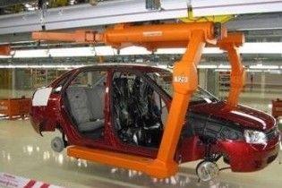 Україна стала світовим лідером в падінні автовиробництва