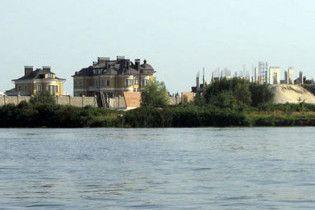 Елітні особняки під Києвом затопить у квітні