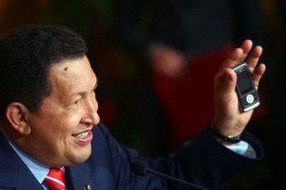Уго Чавес випускає смартфон за 14 доларів