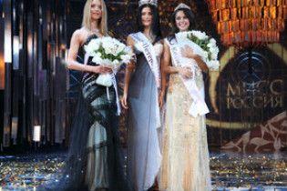 """Переможницею """"Міс Росія-2009"""" стала 18-річна Софія Рудєва"""