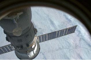 """Пілотований корабель """"Союз"""" успішно пристикувався до МКС"""
