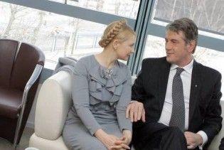 Замість реагувати на Мєдвєдєва Ющенко повчає Тимошенко