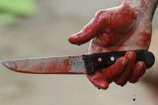 Дружина порізала чоловіка через те, що він затримався після футбольного матчу