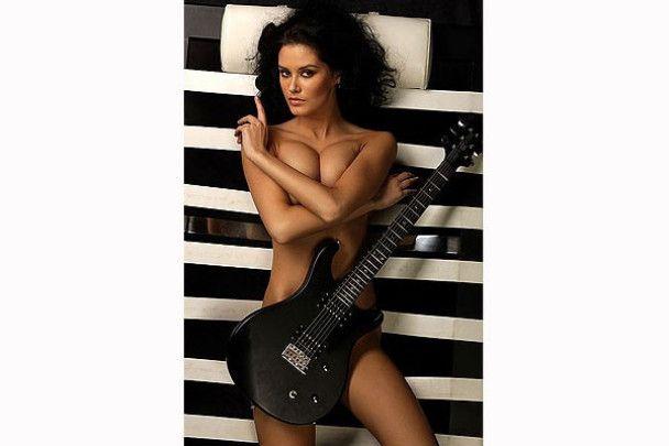"""""""Міс Росія-2009"""" знялась в еротичній фотосесії"""