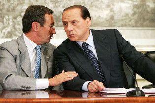 Берлусконі об'єднався з неофашистами