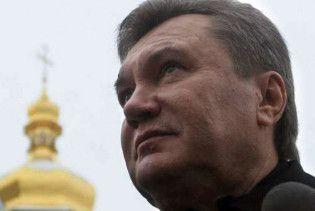 Янукович у лаврі отримав дар бачити майбутнє