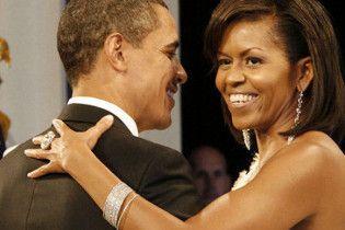 Обама виконав передвиборну обіцянку зводити дружину в театр