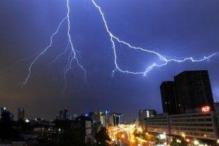 Через грозу 160 тисяч будинків в США залишилися без електрики