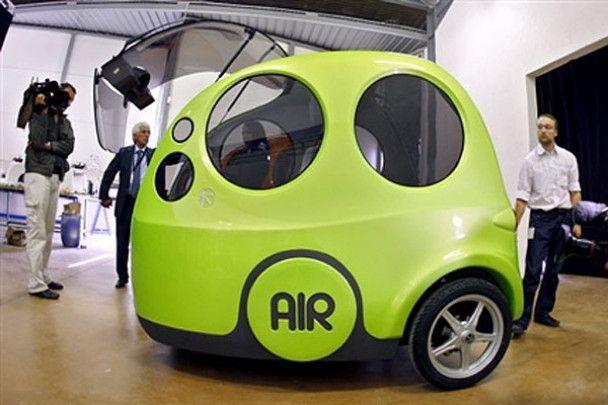 Автомобіль, який їздить на повітрі