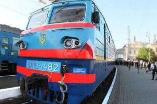 На Франківщині легковик зіткнувся з локомотивом