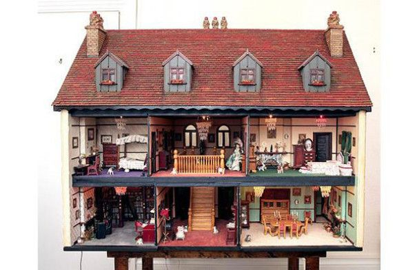 Ляльковий будинок за 82 тисячі доларів