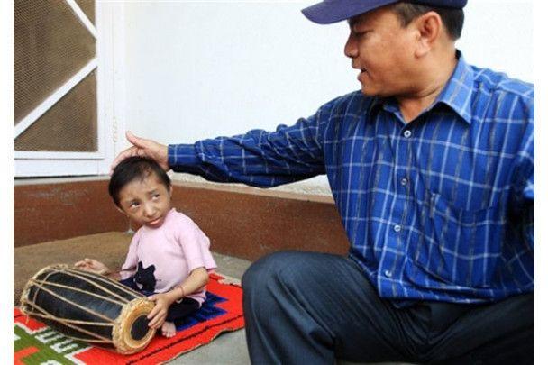 Найнижча людина в світі живе в Непалі