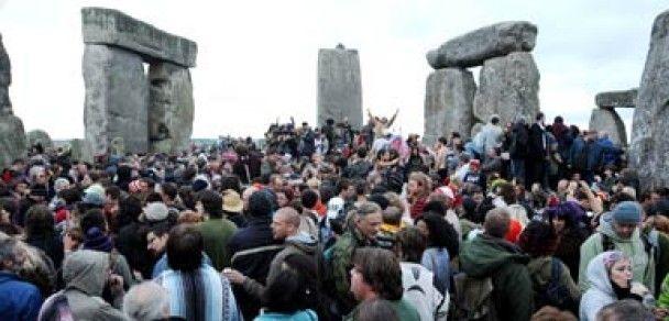30 тисяч людей відсвяткували ранок найдовшого дня року в Стоунхенджі