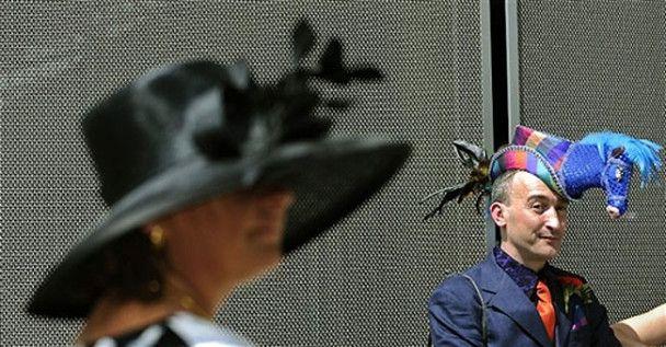 Катя Осадча вразила британців вороною на голові