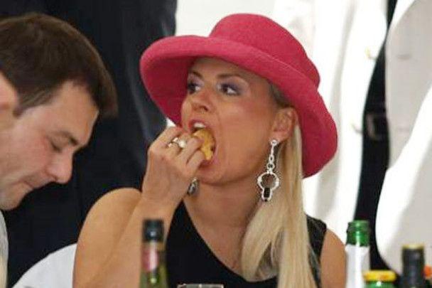Анна Семенович стала ідіоткою