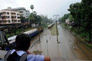 800 тисяч людей постраждали внаслідок повеней в Індії та Бангладеш