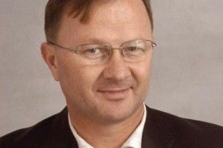 Екс-губернатор Рівненщини загинув через мобільний телефон