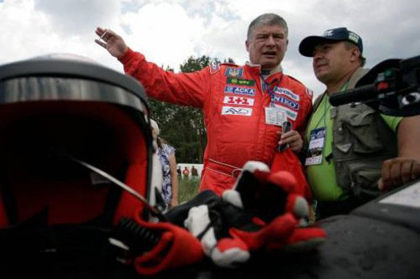Екстрим-гонки Януковича та Червоненка