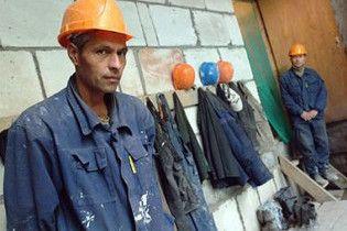 У Києві двоє заробітчан погрожували себе підірвати через невиплату зарплати