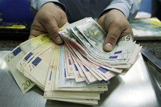 Євро подешевшало на міжбанківському ринку