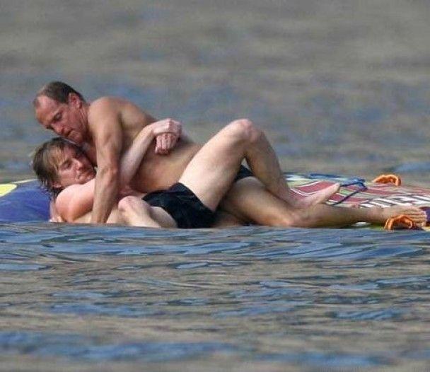 Вуді Харрельсон і Оуен Вілсон влаштували бійку на пляжі