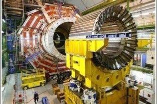 У Великому адронному колайдері зафіксовані перші зіткнення пучків протонів