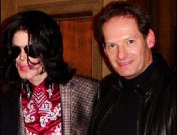 Друг Майкла Джексона вважає себе батьком його дочки